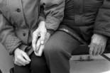 couple,holding,hands,man,old,sweet,woman-49e5a1f6286aa70ec027f94976b64d5a_h