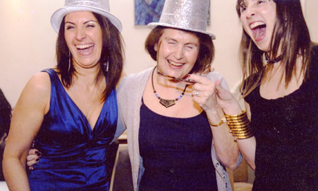 Jo Kessel, far right, with her mother and sister Karen in 2008.